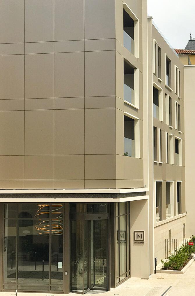 L'entrée de Villa Maïa Hôtel 5 étoiles de luxe à Lyon