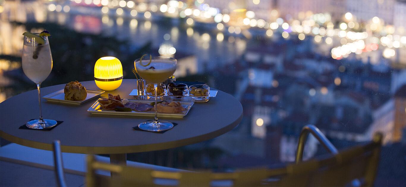 Le bar de Villa Maïa Hôtel 5 étoiles de luxe à Lyon