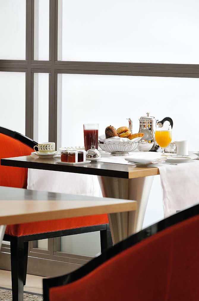 Le petit déjeuner de Villa Maïa Hôtel 5 étoiles de luxe à Lyon